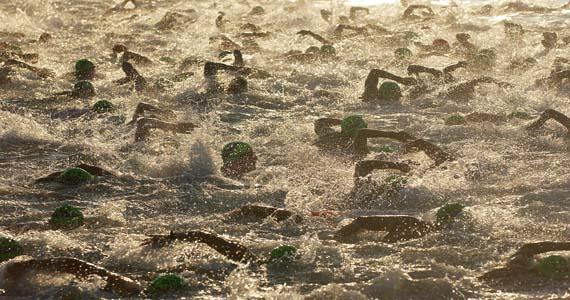 Angst vor dem Schwimmstart im offenen Gewässer? Sicherheit durch die richtige Positionierung im Feld